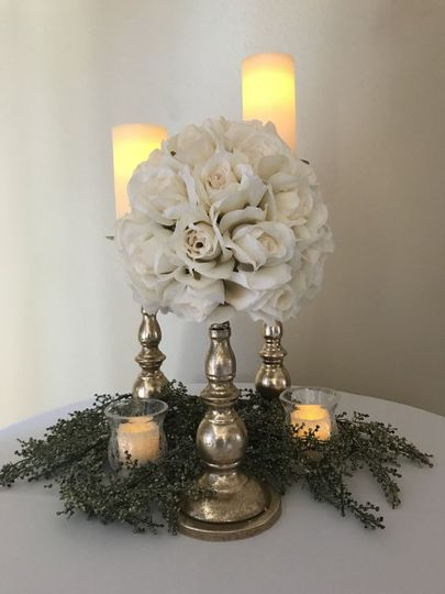 Rose and gold table centerpiece