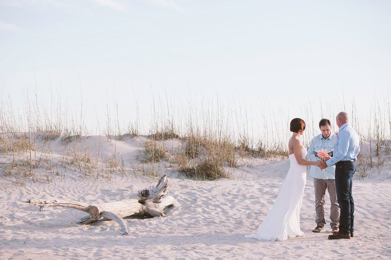 tybee island officiant laura and christopher 51 908456