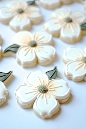 Dogwood Cookie Favors for Our Virginia Brides
