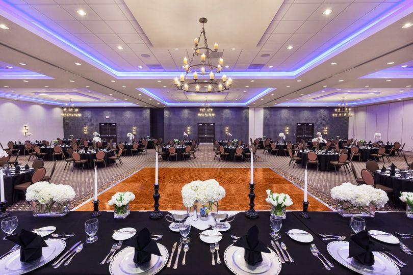 e0a7b28f32c2ab06 HGI Denison Magnolia Ballroom 1011264