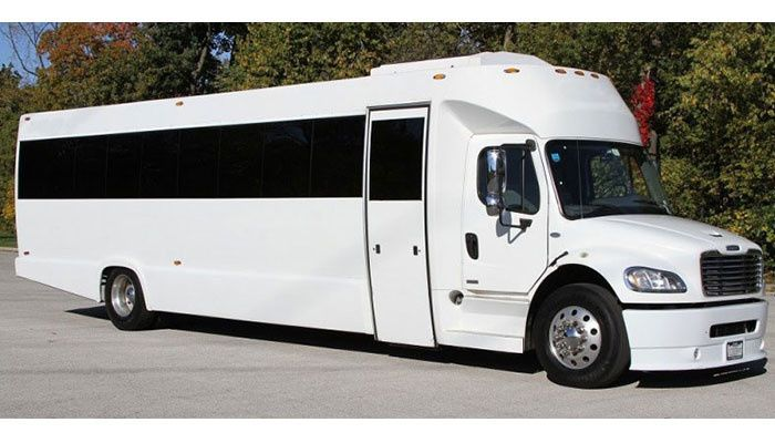 white limobus ext