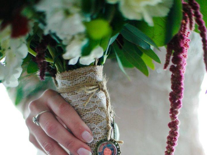 Tmx 1517519994 1bbab6e8348ce3ba 1517519993 94d4fcbb9c801a3c 1517519994665 3 21457843 157402210 Whitehouse Station, New Jersey wedding florist