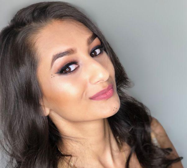 Bridal glowing makeup