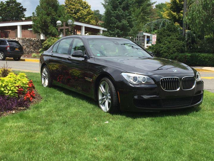 Luxury BMW 750ix