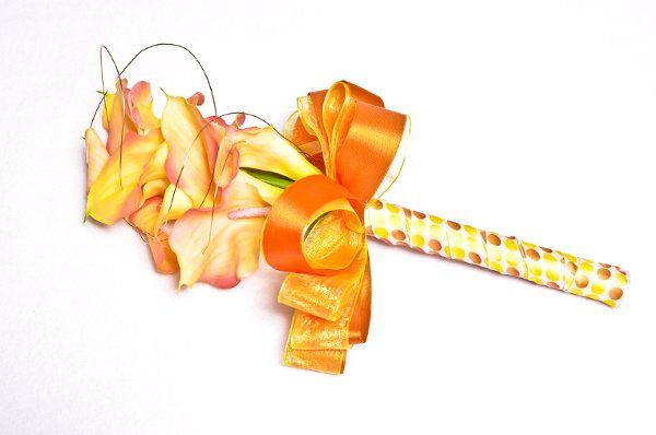 tangerine calla lily w/gold wire (colors can be changed) fresh and silk available