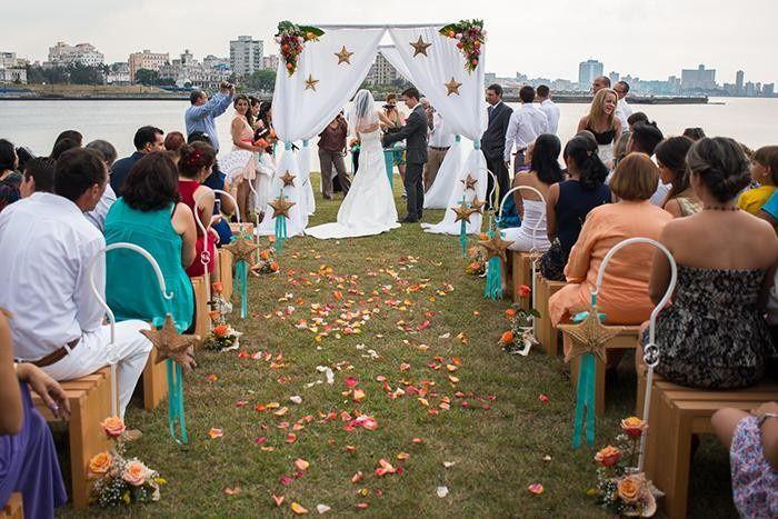 WEDDING IN CUBA