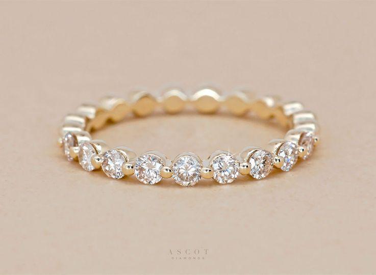 Custom yellow gold diamond wedding ring