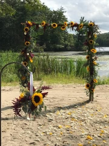 Tmx Sunflowerarch 51 32656 157844474031543 Highland Mills wedding florist