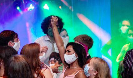 Go DJ Go • Premium Music, MC, PhotoBooth, and Lighting 1