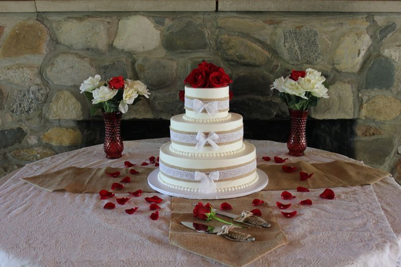 Dees Specialty Cakes Wedding Cake Stevensville MI WeddingWire