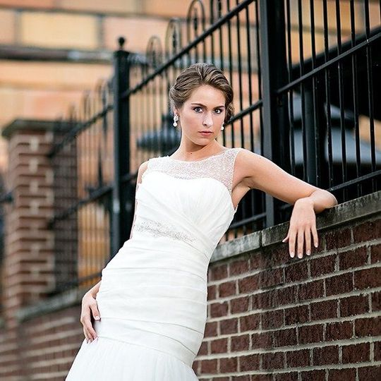 4afaab98f4a2724c bridal model