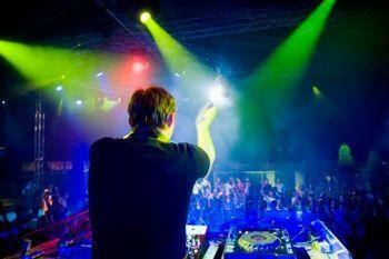 05d4b839db5d6884 DJ Show