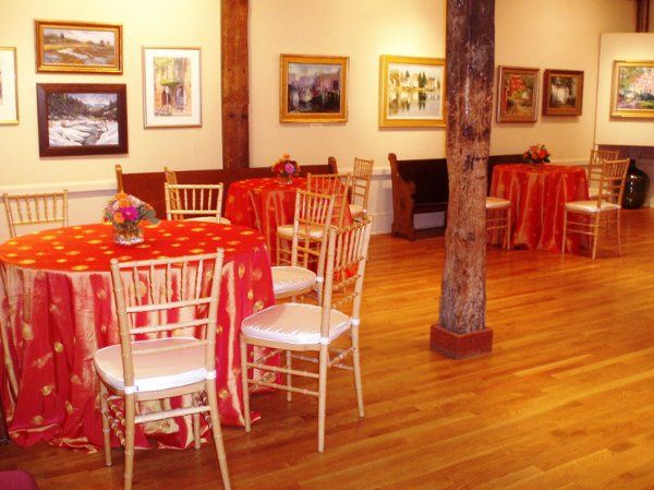A smaller gallery, connected to our spacious Hibbard Gallery reception hall. Perfect for cocktail...