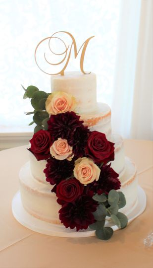 Rose decorated cake