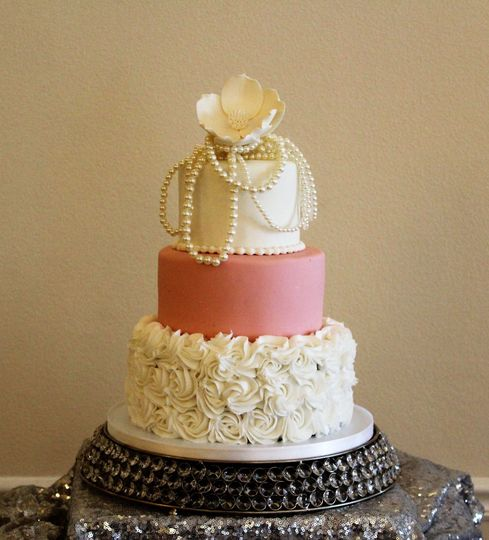 Pearl and flower topper