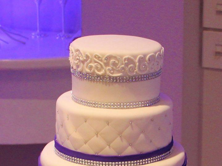 Tmx 1516336672 A8e8890cdad3a952 1516336671 Ea0c12ab9f9748bc 1516336662738 7 IMG 0530  2  Arlington, Texas wedding cake