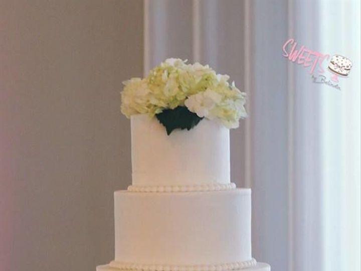Tmx 1518147312 E6fc7fc0c91b2a66 1518147311 810f9ec8ecb4e9b7 1518147310808 18 8 Arlington, Texas wedding cake