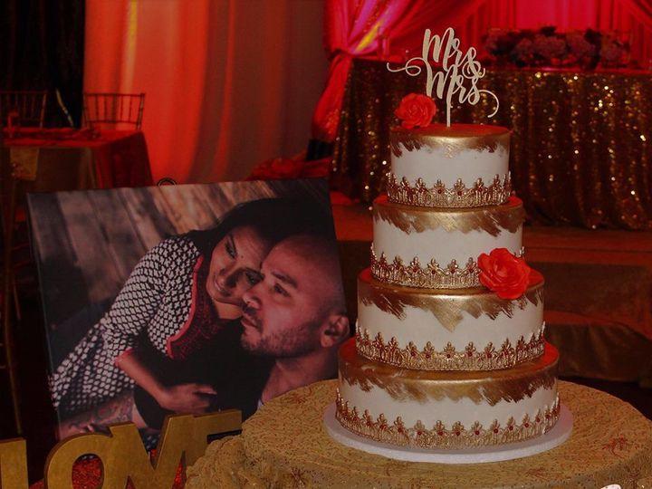 Tmx 1518149319 2f9cf8e6d5bdea9b 1518149318 A5ad46657d0b2a01 1518149317497 5 52 Arlington, Texas wedding cake