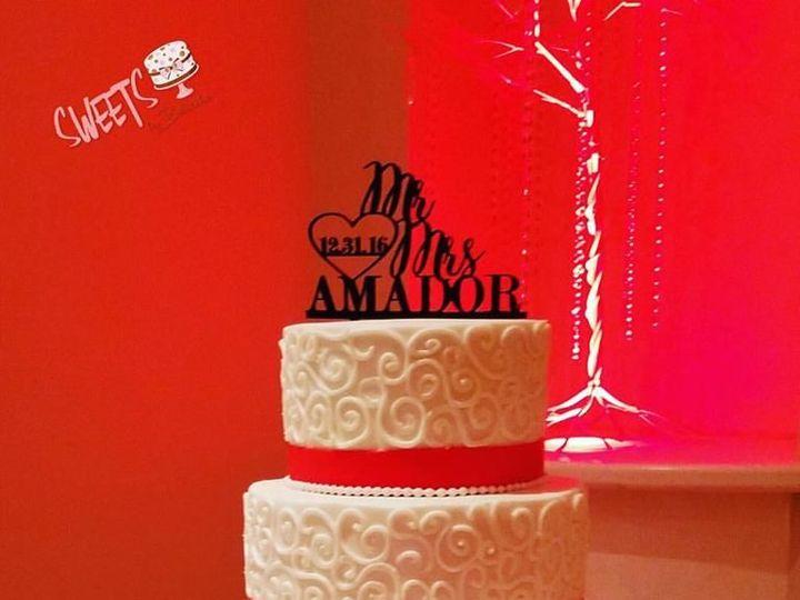 Tmx 1518149418 Bcd6f7a9a4d4a2d9 1518149417 F0d4f0c21d7846bf 1518149417191 13 64 Arlington, Texas wedding cake