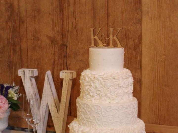 Tmx 1538695701 B47e65a00f846da1 1538695700 72081b8e20cb29f4 1538695698676 5 Wedding Cake 002 Arlington, Texas wedding cake