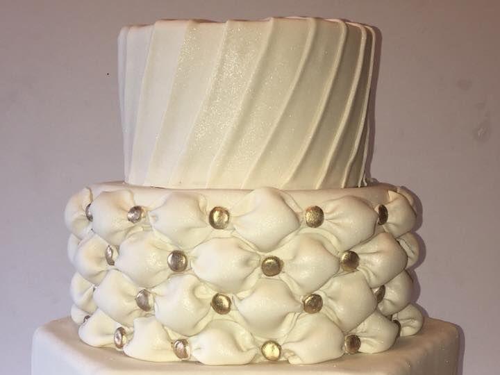 Tmx 1538763781 A02407458b5e2d01 1538763779 73a6d981adde00ab 1538763777379 4 Wedding Cake 009 Arlington, Texas wedding cake