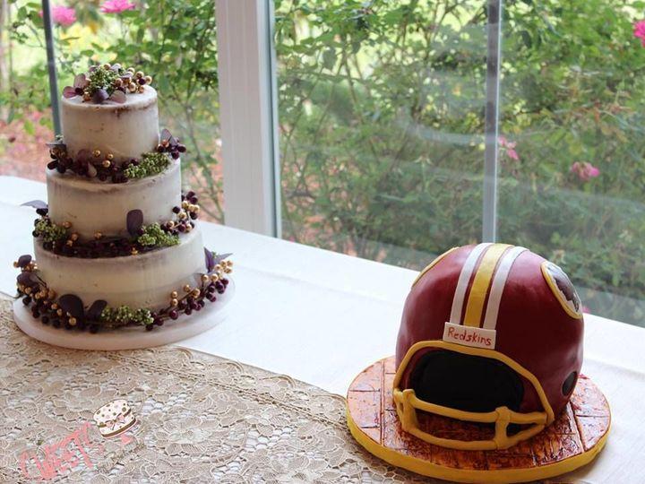 Tmx 1538877165 Fdc2807770ca9b2f 1538877163 37e3685e2aa93b64 1538877160908 5 Grooms6 Arlington, Texas wedding cake