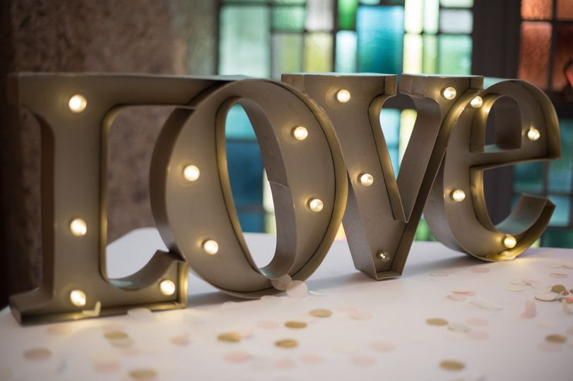Love sign Unbridled Dreams Photography