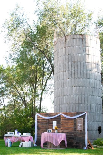 Silo and backdrop