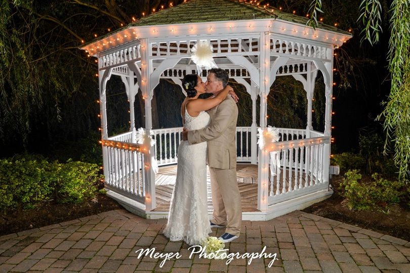 Kiss by the gazebo