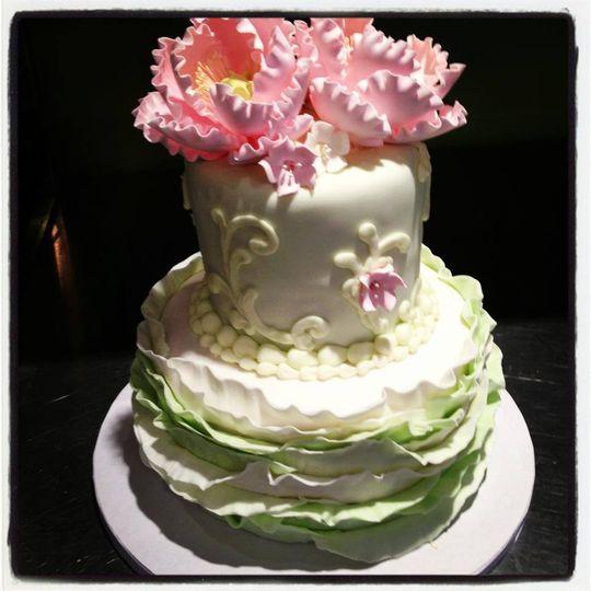 Tres Belle Cakes Wedding Cake Cincinnati OH WeddingWire