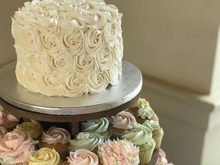 Tmx 1537204529 46b86f6f90cd2655 1537204525 C4333e696a6c55f3 1537204518807 4 IMG 5736 Cincinnati wedding cake