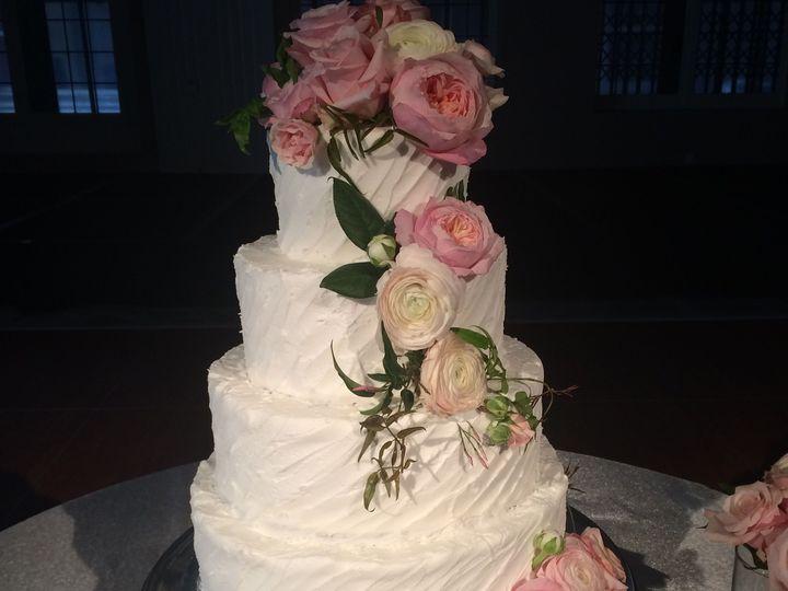 Tmx 1537205837 B209ffc0ccda2c4a 1537205834 Fd518da11c5a1f7d 1537205831177 10 IMG 2327 Cincinnati wedding cake