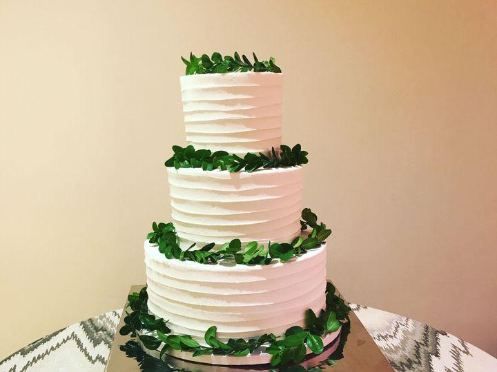 Tmx 1537205845 A014d52de66d5638 1537205843 E935757c495e79fc 1537205831191 26 IMG 2328 Cincinnati wedding cake