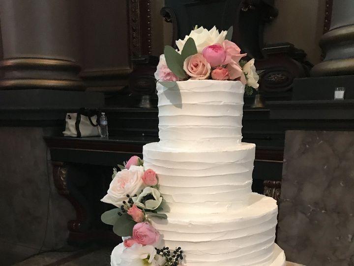 Tmx 1537205847 34f6045dd88147d2 1537205843 C23a760ee02af8ca 1537205831193 29 IMG 2623 Cincinnati wedding cake