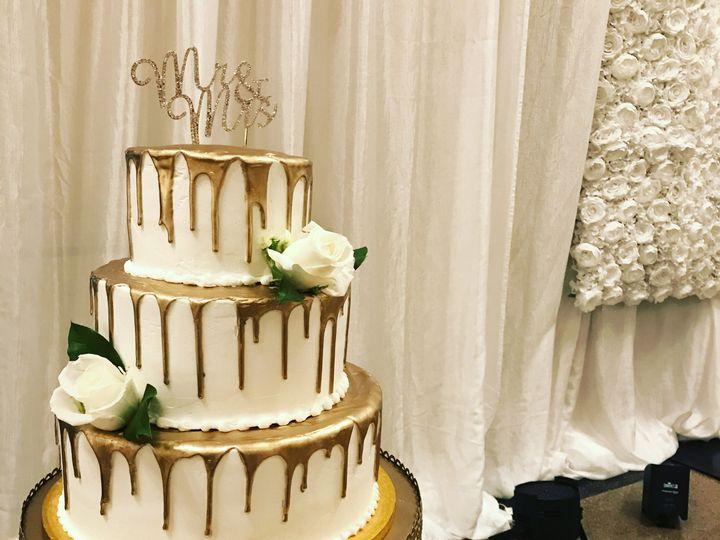 Tmx 1537205860 661a2aa688011daf 1537205856 C937afb6e0b7c19d 1537205831199 39 IMG 4700 Cincinnati wedding cake