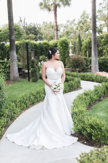 christmas house bride groom manriquez carrie vines 020 1 51 74856 1556304496