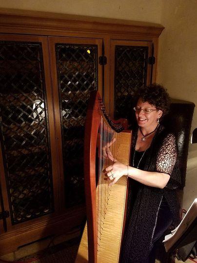 Harpist-Miriam Shilling