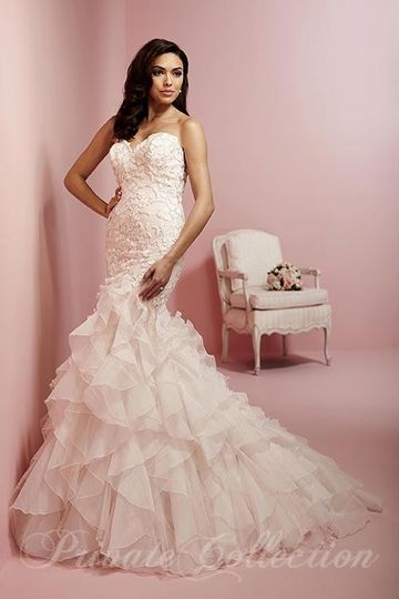 Magnolia 39 s bridal dress attire greenville sc for Wedding dress shops greenville sc