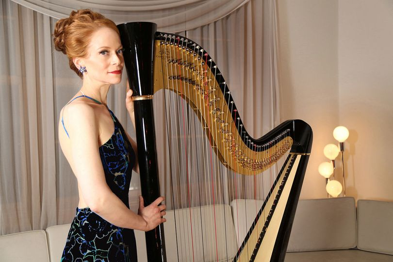 The harp and the musician