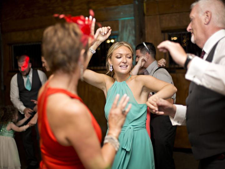 Tmx Dj Photos Heather Dave Family Dancing 51 496956 160227538254635 Cleveland, OH wedding dj