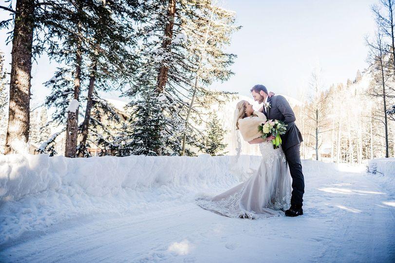 paulie tyler bride groom formals 0050 51 669956 1572724981