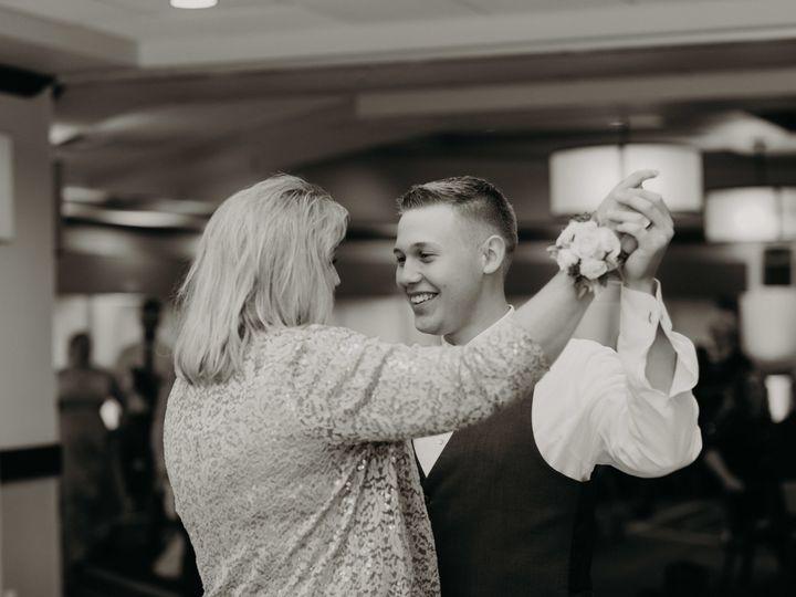 Tmx 1526311885 A73845cea2b3740d 1526311881 9400e1089ed9a63b 1526311872403 12 1Q5A9607 Sarasota, Florida wedding photography
