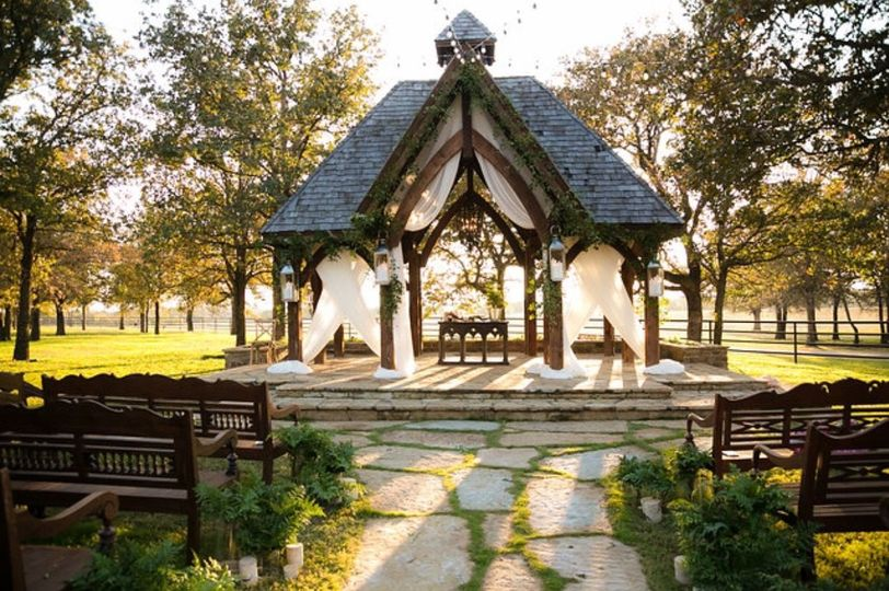 Classic Oaks Wedding and Event Venue