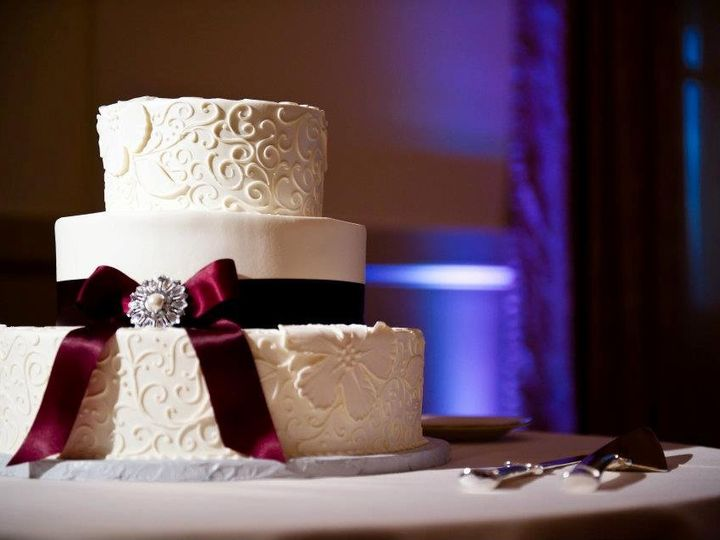 Tmx 1358807514889 Bow Danvers wedding cake