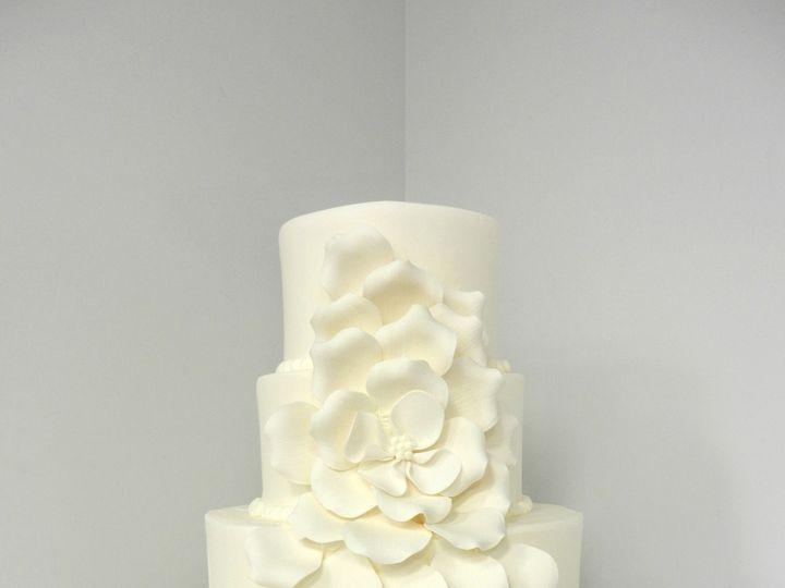 Tmx 1381855331444 Petals Danvers, MA wedding cake