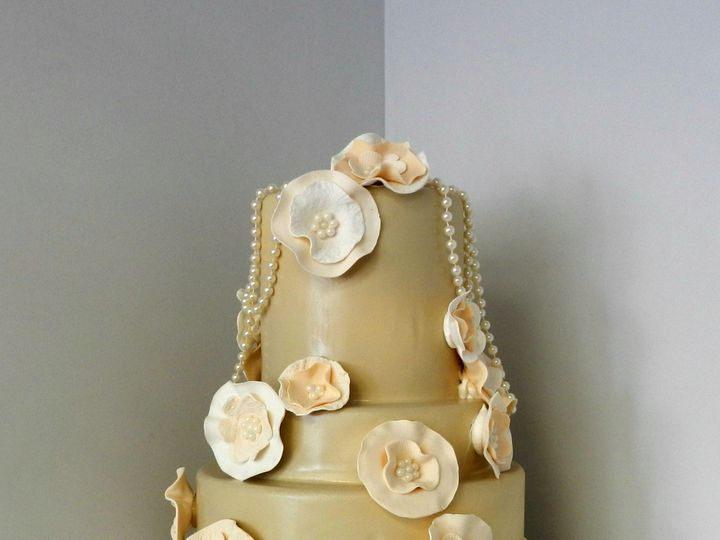 Tmx 1478710999257 Flowers And Pearls Danvers wedding cake