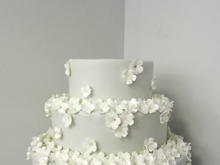 Tmx 1478711030965 Gray With White Sugar Flowers Danvers, MA wedding cake