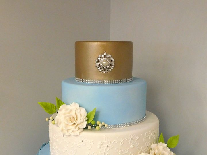 Tmx 1485192261146 Champagne And Blue Wedding Danvers wedding cake