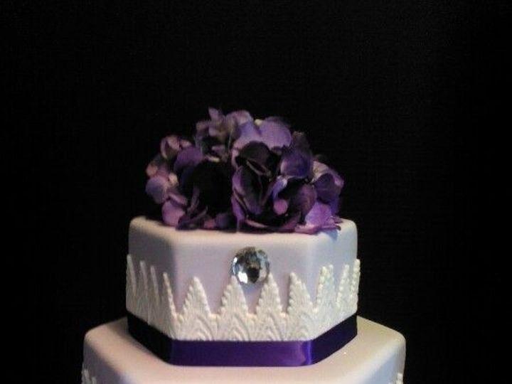 Tmx 1487096088966 196d8f7980fd16756b98c2fdf7438e4e Schenectady, New York wedding cake