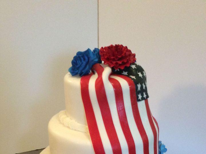 Tmx 1520200573 7566c0e82c4bf1ce 1520200571 98965a4f030f9570 1520200549600 6 5C917B9D 3724 4DBE Schenectady, New York wedding cake